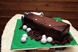 classic oaks ranch, swan photography, rustic wedding, affordable DFW photographer, groom's cake, golf inspired