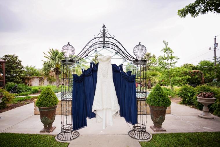 Swan Photography, A&M Gardens, Azle Texas Wedding, A&M Gardens wedding, outdoor wedding, DFW Wedding Photographer, Best Wedding Photographer Fort Worth, Fort Worth Wedding Photographer, Natural light wedding photography, Navy themed wedding